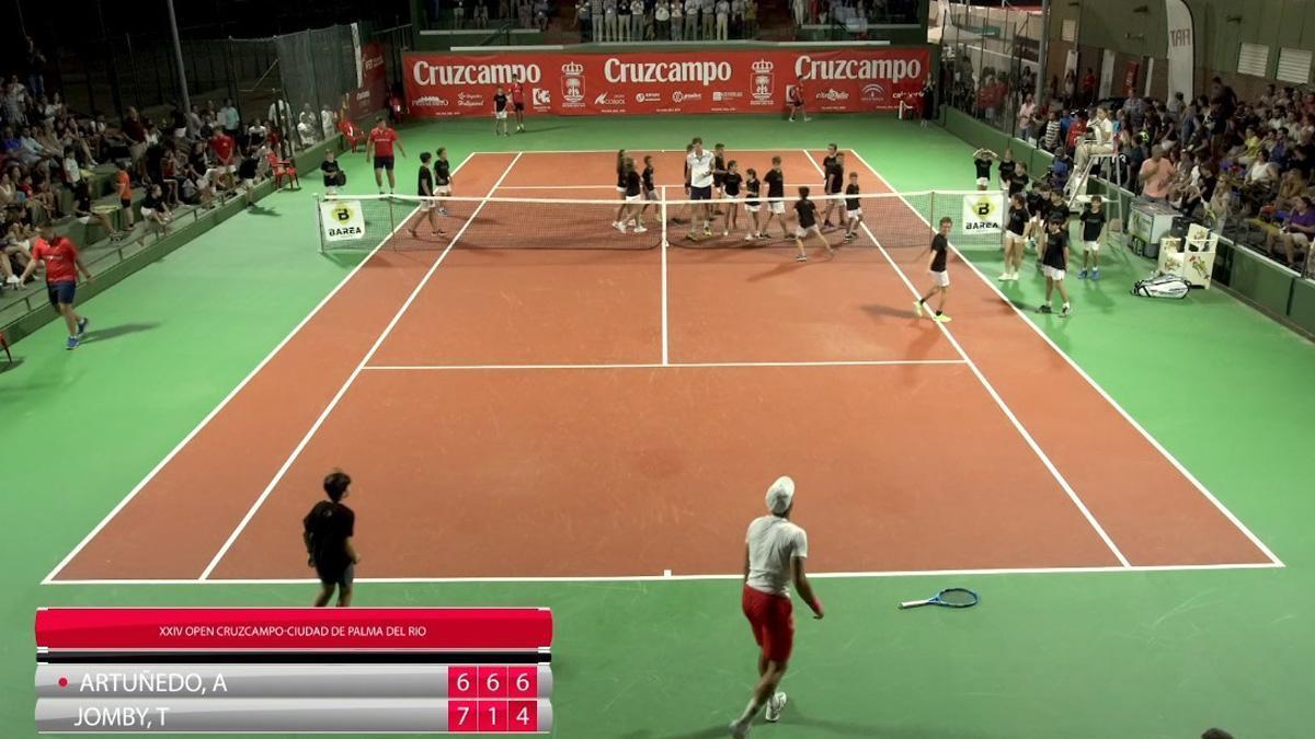 Imagen de un partido de tenis en Palma del Río.