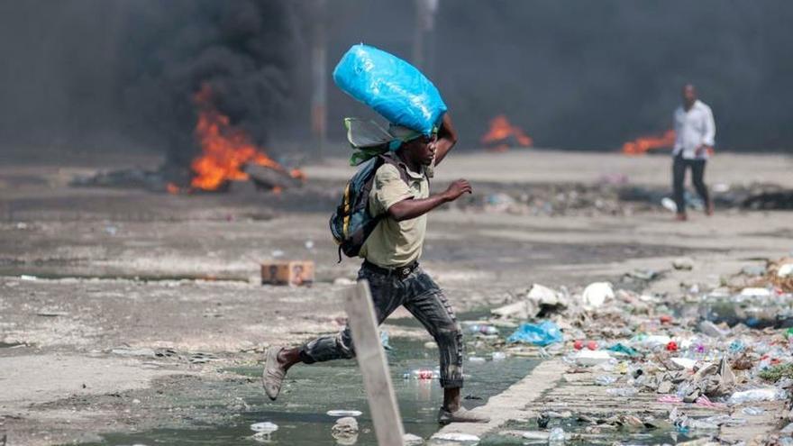 Manifestantes ocupan el Senado de Haití para bloquear al nuevo Gobierno