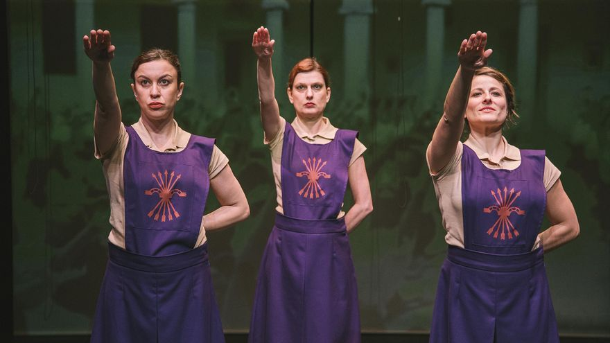 'La Sección (mujeres en el fascismo español)'.   G. LELOUTRE