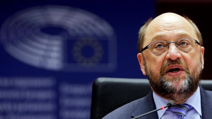 Juncker y Schulz critican falta de solidaridad y los populismos en Europa