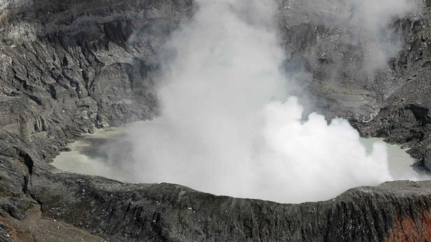 El volcán Poás de Costa Rica produce gran erupción de gases y ceniza