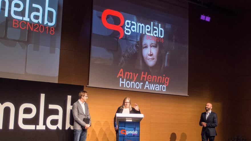 Amy Hennig, escritora y creativa, recibe el Premio Gamelab de Honor
