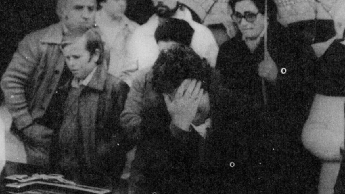 Un momento del entierro de los asesinados en el Caso Almería.