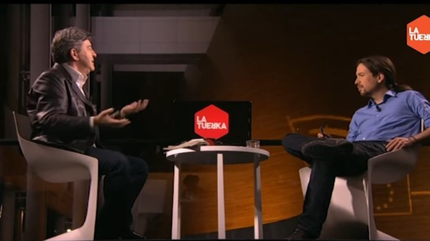 Pablo Iglesias entrevista a Jean-Luc Mélenchon en 2015 en el Parlamento Europeo.