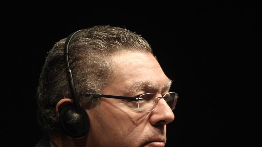 """Gallardón dice que deben estar """"tranquilos"""" y achaca las revelaciones a la """"estrategia de defensa"""""""