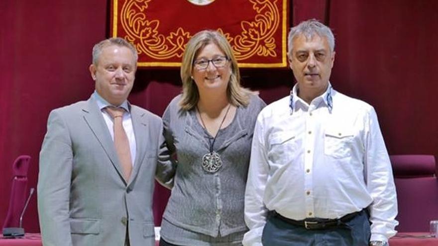 Mamen Peris, junto a sus otros dos compañeros concejales de Ciudadanos en Alboraia