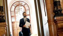 El presidente del Parlament propone a Puigdemont y pide a Rajoy una reunión para negociar cómo investirlo