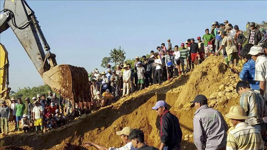 Ascienden a 104 los muertos por una avalancha en el noreste de Birmania