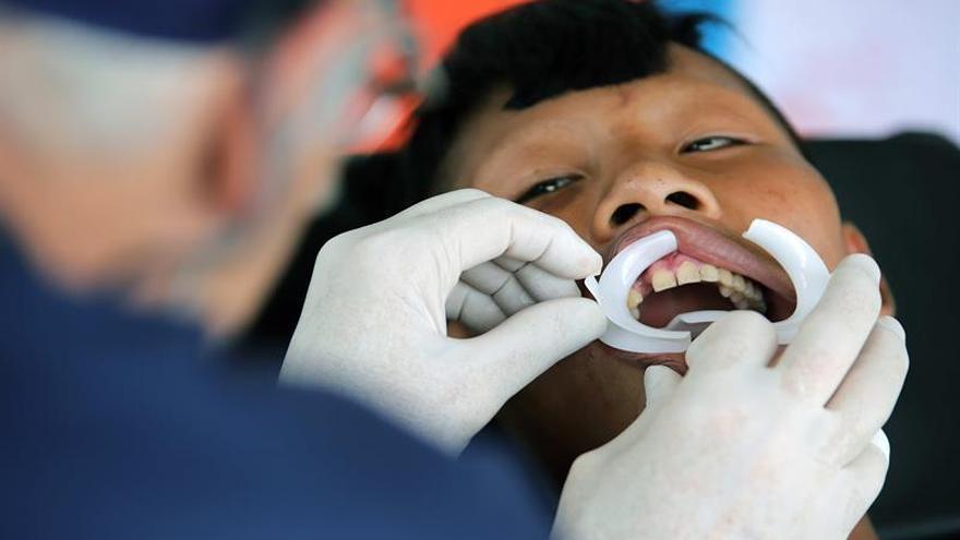 Los suruwahás rompen su aislamiento para recuperar su mejor arma, los dientes