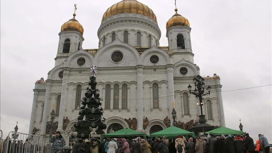 El fervor religioso fanático vuelve a Moscú con los Regalos de los Reyes Magos