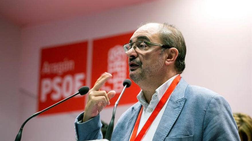 """Lambán, preocupado por los resultados, es """"respetuoso con los tiempos"""" de Sánchez"""