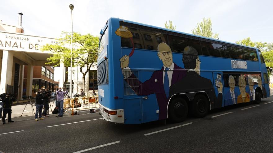 Podemos retrasa la salida de su 'Tramabús' por una nueva avería, en este caso en la marcha atrás