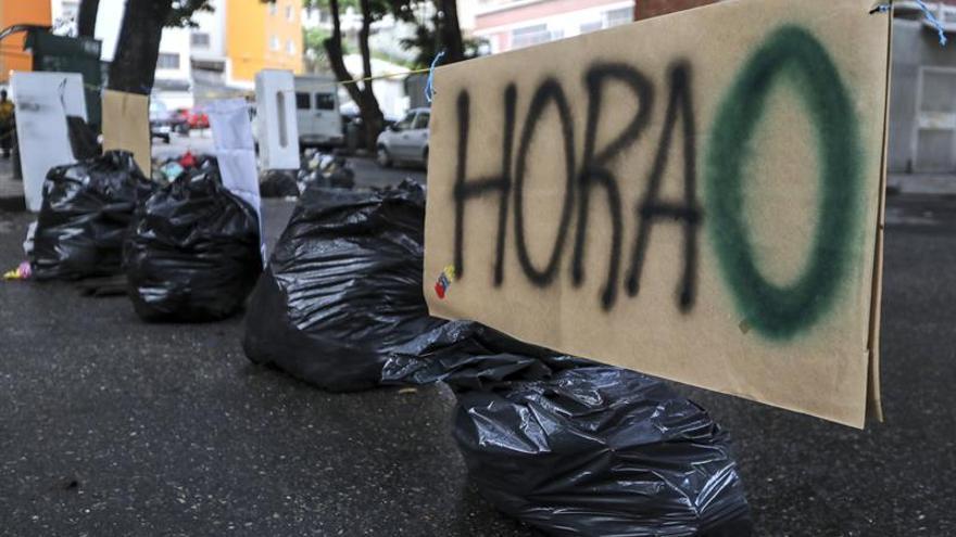 Una protesta contra Maduro atranca Caracas y limita la actividad comercial