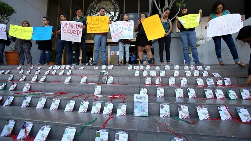 La FIP pide a Peña Nieto que cumpla sus promesas para proteger a periodistas