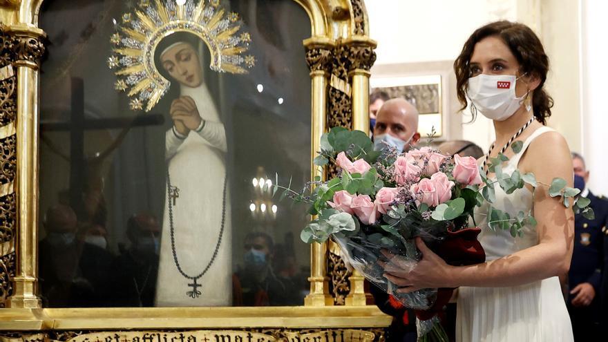 Díaz Ayuso en la ofrenda a la Virgen de la Paloma el 15 de agosto.