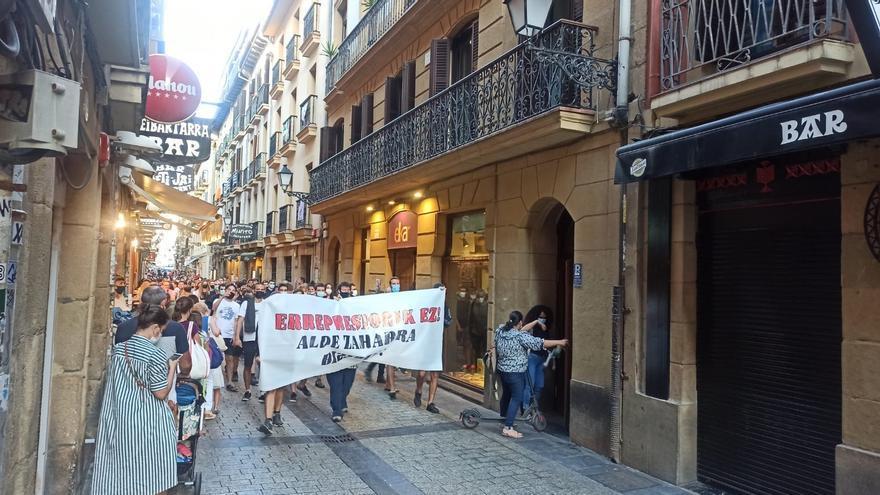 """Manifestación contra la """"represión policial"""" en San Sebastián"""