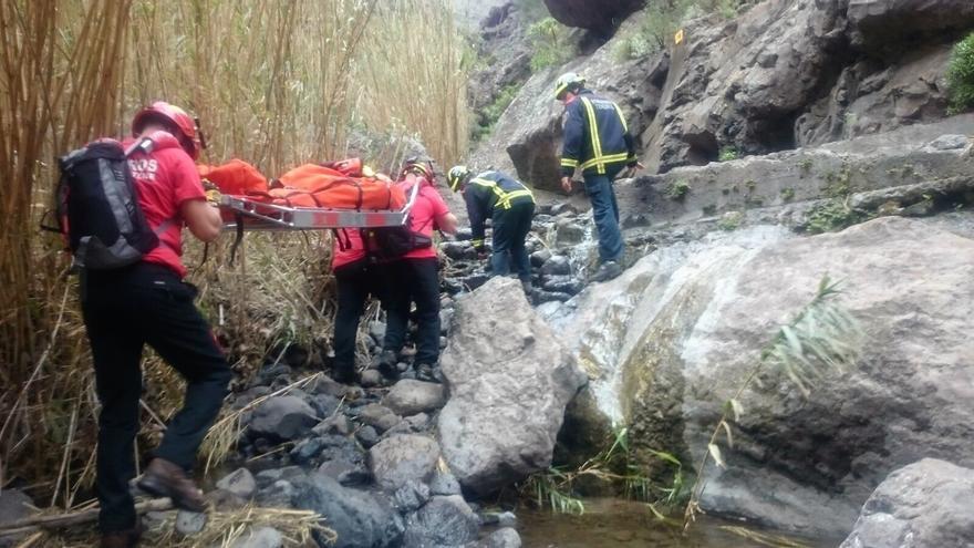 Intervención del colectivo en la cuenca de Masca, en el macizo de Teno (Tenerife)