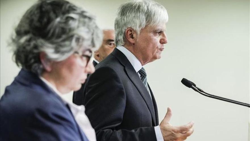 José Miguel Pérez junto a los consejeros de Educación de Asturias y Andalucía.