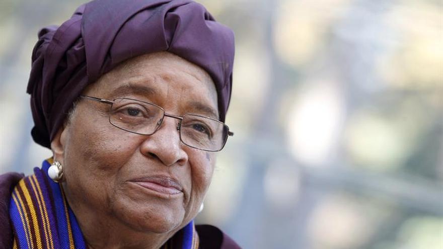 La presidenta de Liberia pide calma a la población tras la suspensión de las elecciones