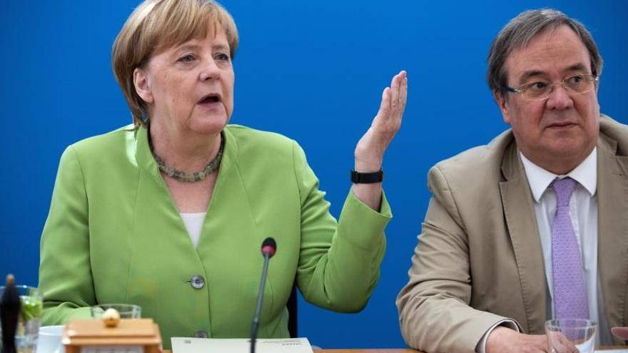 Angela Merkel y Armin Laschet,