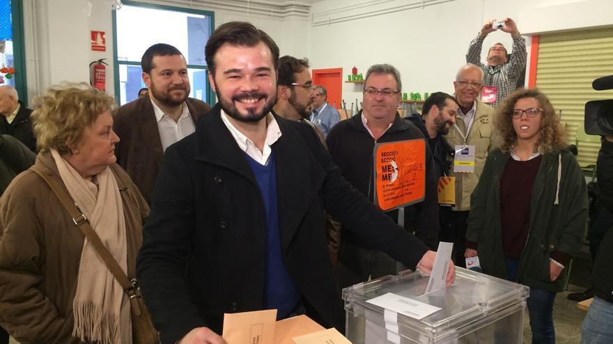 Rufián (ERC) llama a la participación porque los países y los anhelos se ganan voto a voto