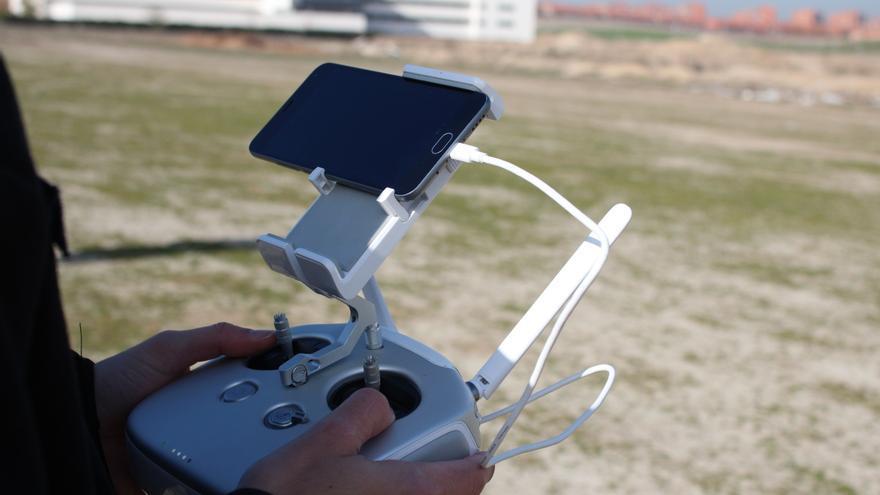 Los modos de vuelo del DJI Phantom 3 se controlan con el móvil