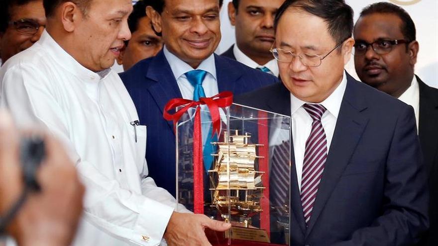 Sri Lanka vuelve a mirar a China, pero sólo por necesidad económica