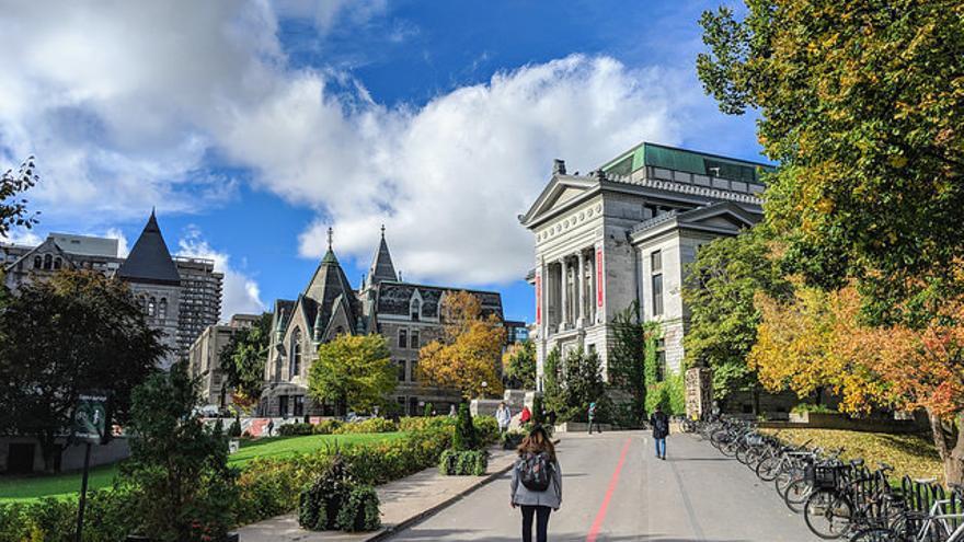 Calles del centro histórico de la ciudad de Quebec. Jason