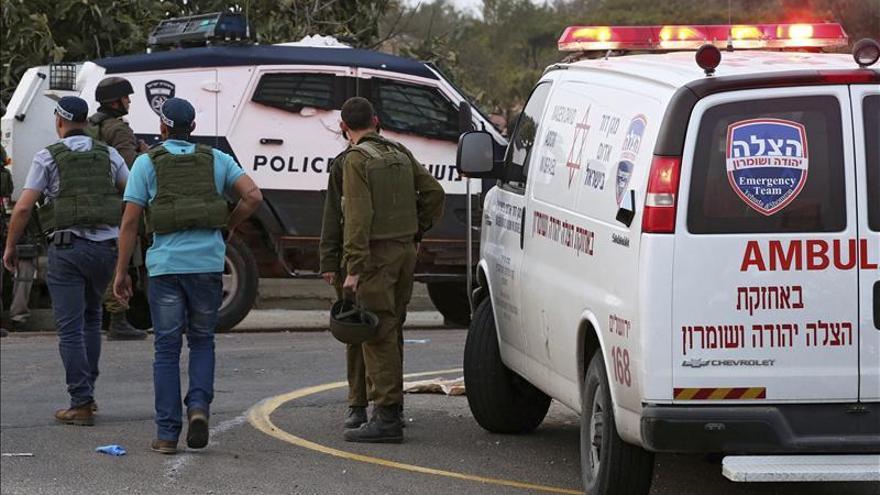 Una palestina herida tras un supuesto intento de apuñalamiento en Cisjordania
