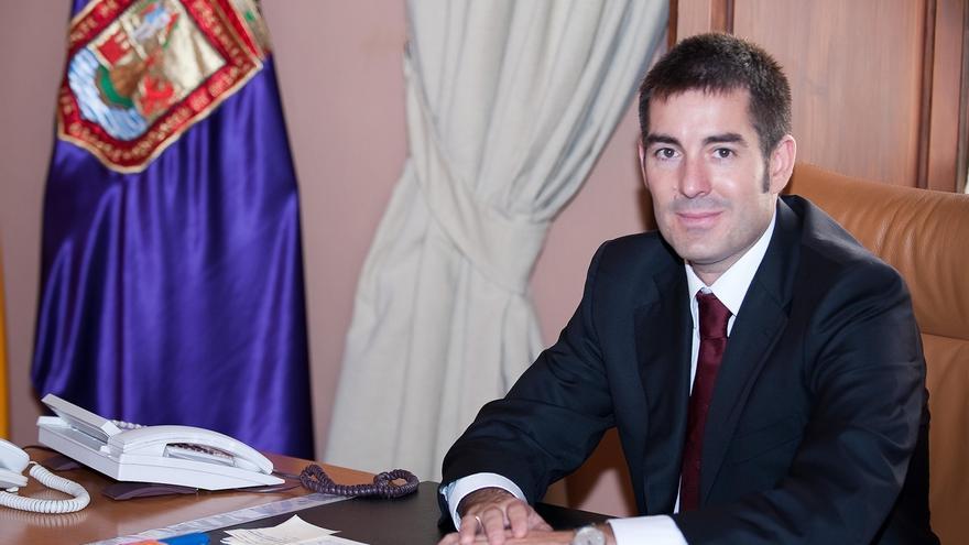 """Clavijo se plantea """"ganar las elecciones"""" y afirma que le """"da vértigo"""" pensar en ser presidente de Canarias"""