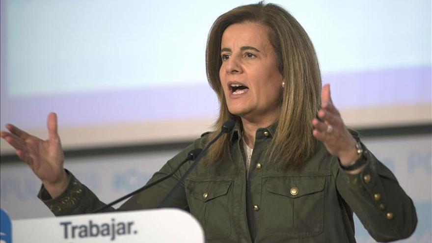 Báñez valora la caída interanual del paro en 488.700 personas, la mayor en 3 años