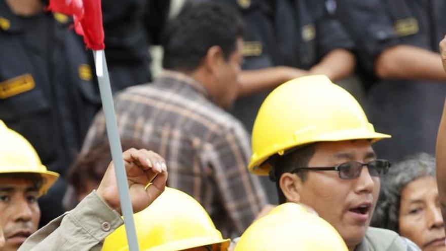 Campesinos de Perú reclaman a minera Buenaventura daños en recursos naturales