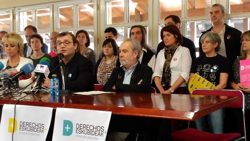 Miembros de la campaña en favor de la Renta de Garantía de Ingresos (RGI).