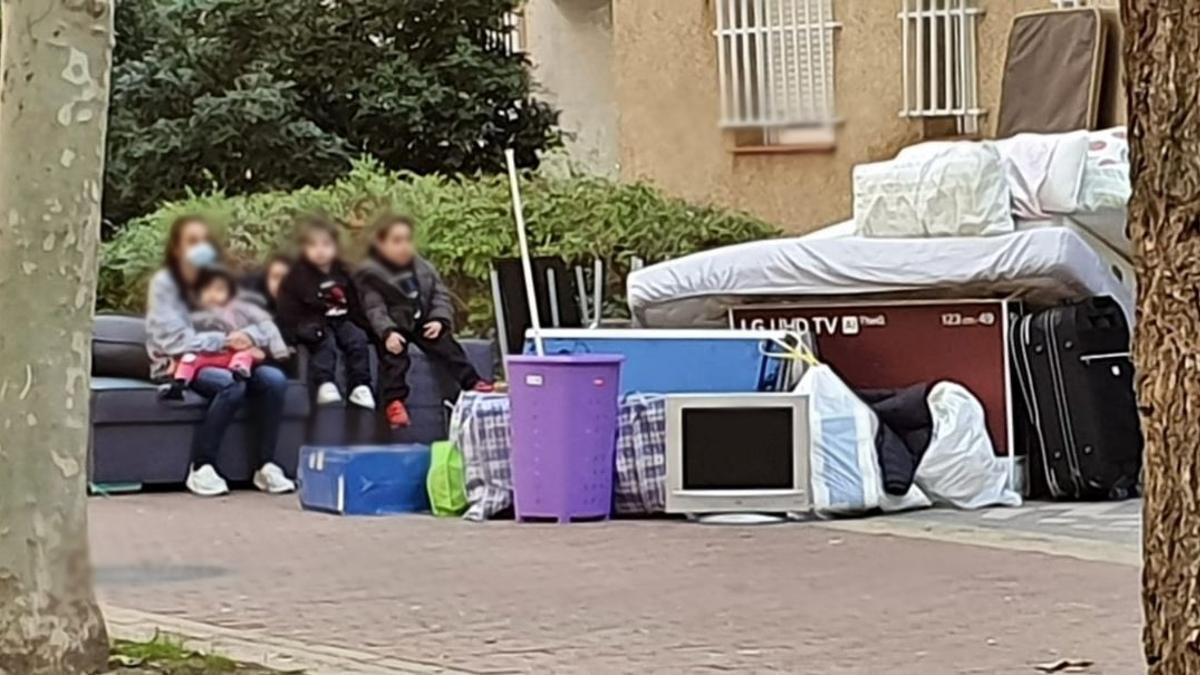 Familia desahuciada en Carabanchel, Madrid
