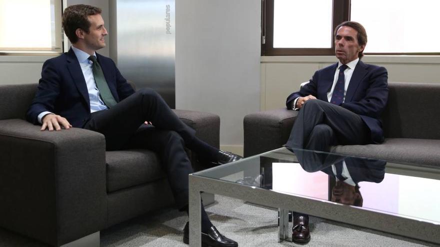 Pablo Casado  y José María Aznar, hace unas horas. EFE