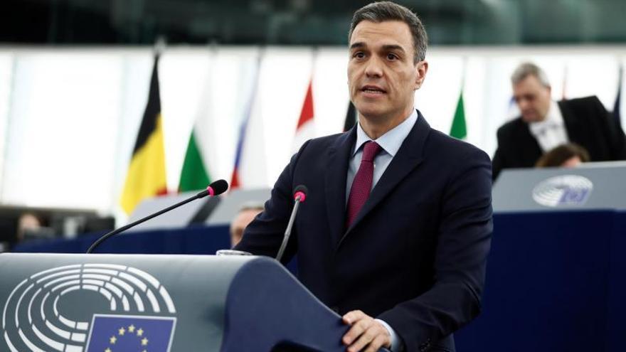 """Sánchez subraya su """"voluntad firme"""" de resolver con diálogo la crisis catalana"""