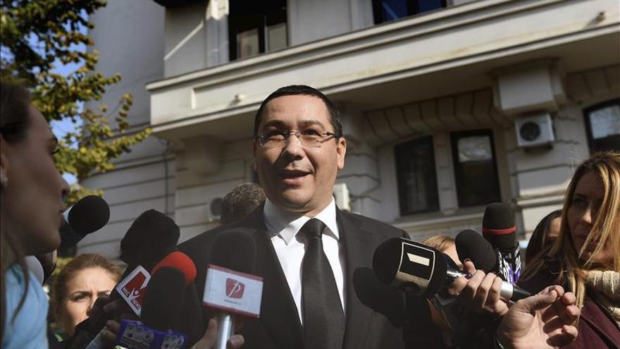 El ex primer ministro rumano comparece en la audiencia en su juicio por corrupción