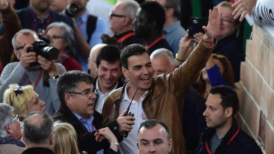 Juan Carlos Fulgencio, junto a Pedro Sánchez, en un acto de los socialistas