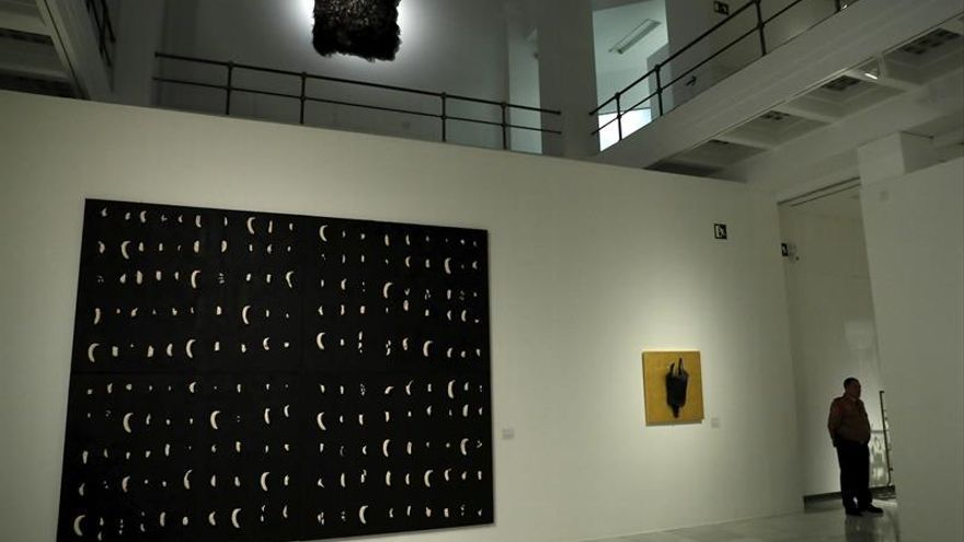 La mirada poética y surrealista de Carmen Calvo recogida en una retrospectiva