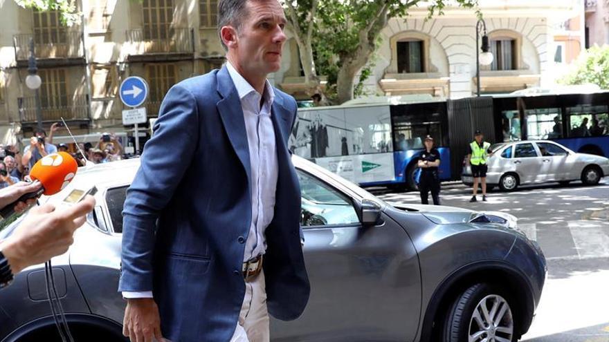 Urdangarin a su llegada a la Audiencia de Palma. EFE