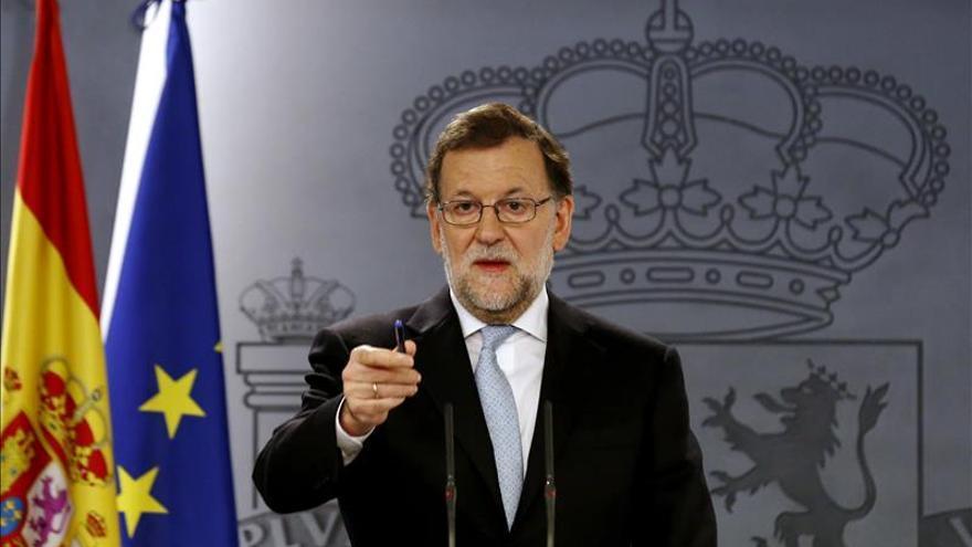 Rajoy no ve razonable que el PSOE aspire a presidir el Gobierno y el Congreso