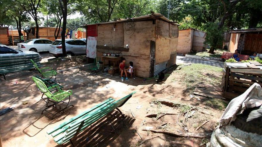 El río Paraguay continúa creciendo y aumenta el número de personas desplazadas