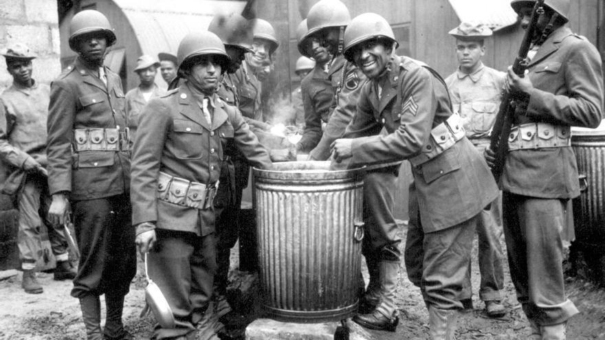 Un grupo de soldados afroamericanos de EEUU destinados en Irlanda del Norte durante la Segunda Guerra Mundial. Agosto de 1942.