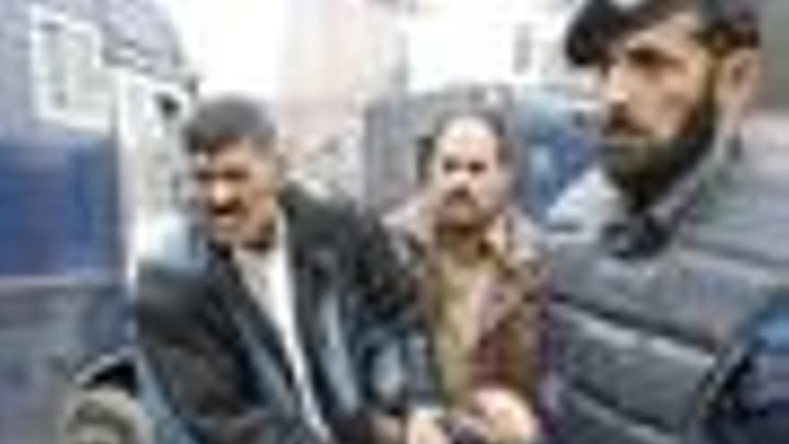 Al menos ocho muertos en un atentado suicida en un mercado de Peshawar