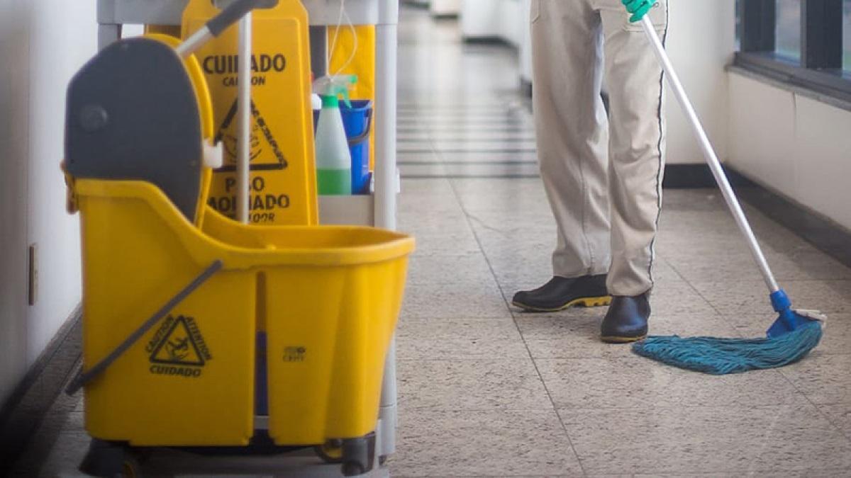 Los sindicatos consideran que se perjudica la seguridad de los trabajadores de limpieza