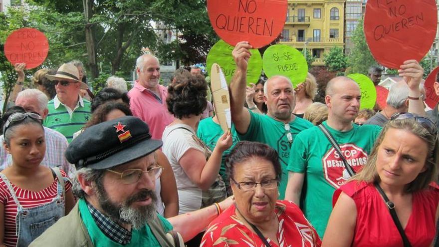 Amparo Pérez durante una protesta para que no derribasen su casa