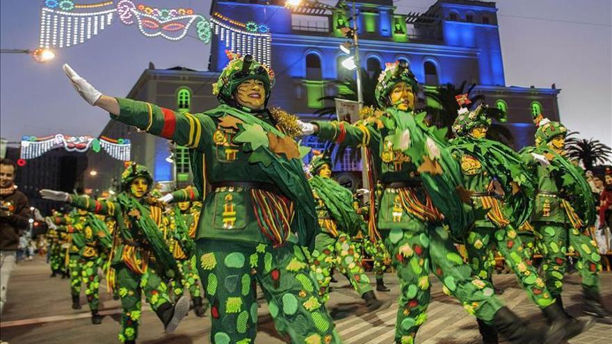 Badajoz se echa a la calle con un carnaval que reúne la variedad de la fiesta