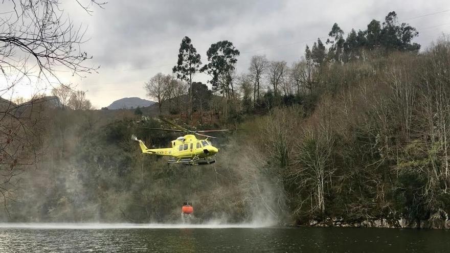 Ocho incendios forestales están activos en Cantabria