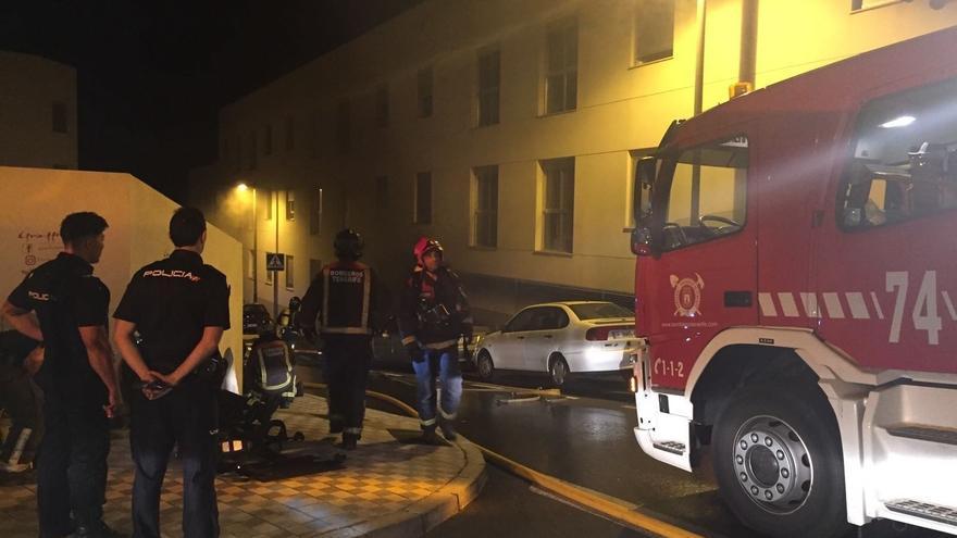 Intervención de los bomberos en la madrugada de este martes, en San Matías
