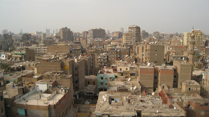 Bloques de apartamentos multicolores en El Cairo
